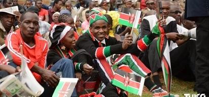 Uhuru leads Kenyans in celebrating Mashujaa Day(photos)