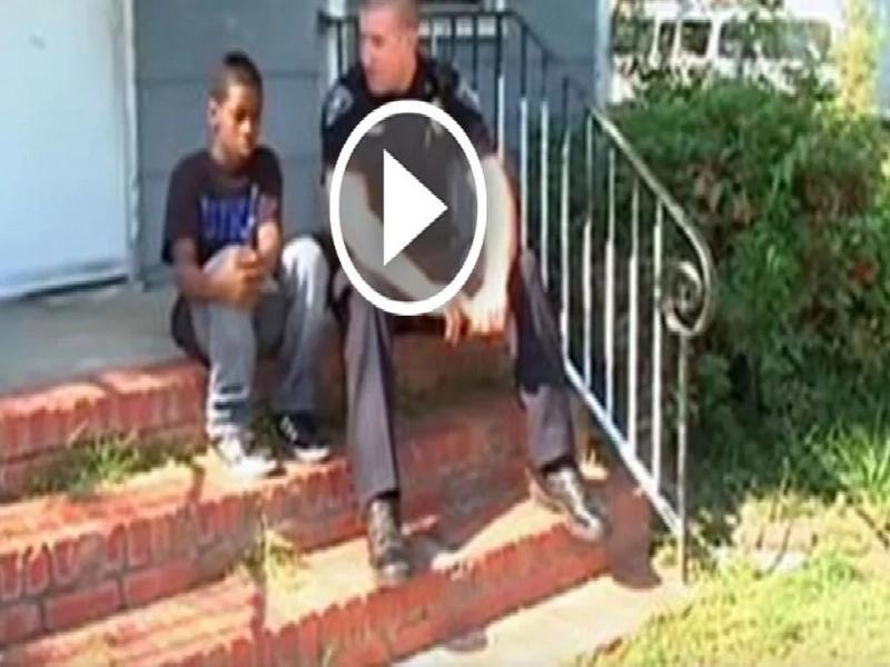 Niño quería escapar de su casa y este policía hizo algo fuera de serie