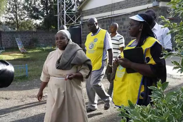 Photo: Find out why police in Nakuru have arrested this Catholic nun