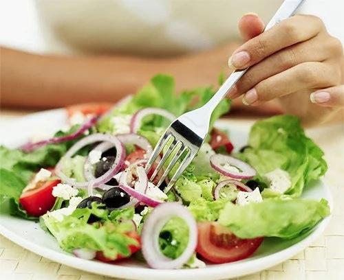 Crean aplicación que enseña a alimentarse sanamente
