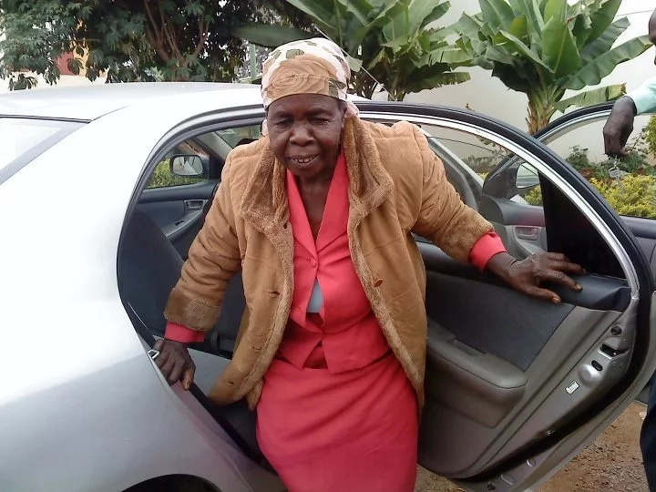 Have you seen this 79-year-old grandmother? Her family is desperately looking for her and she is sick (photos)