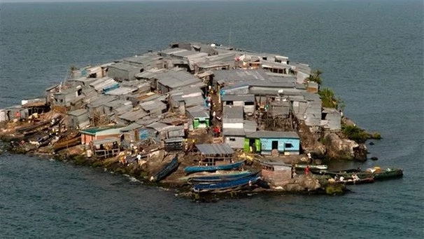 The disputed Migingo island inside Lake Victoria