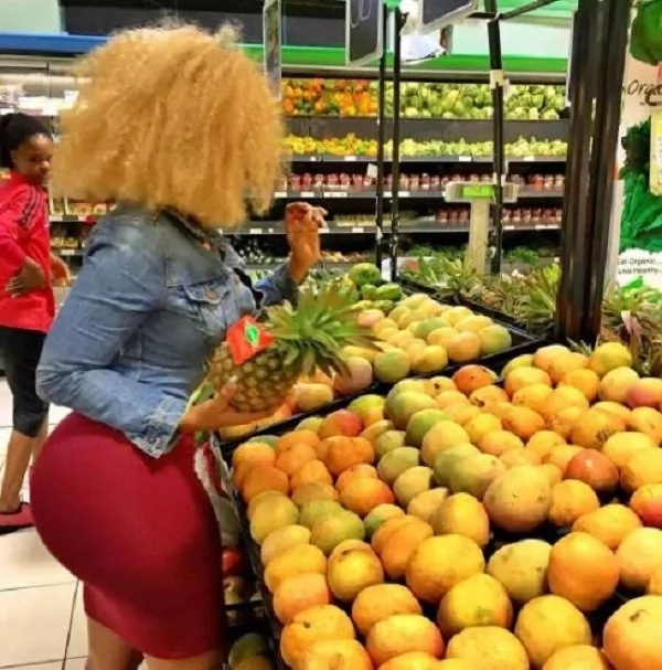 Vera Sidika stops business at Supermarket
