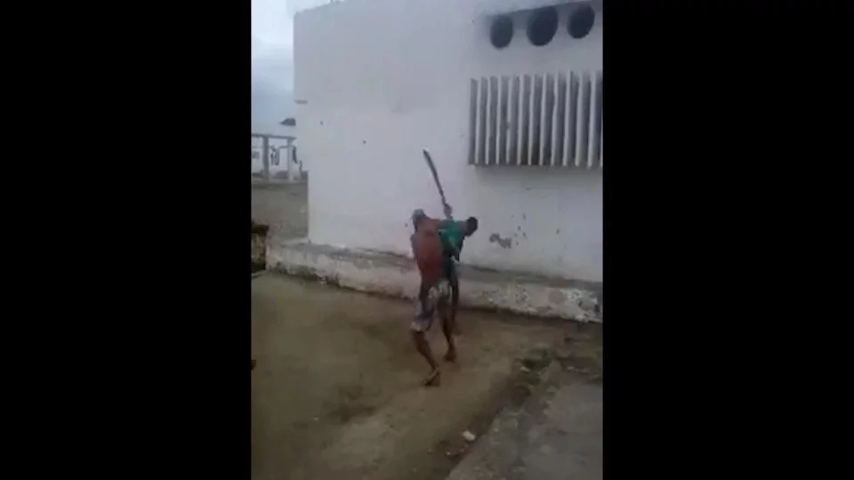 Machete wielding maniacs are fighting in Brazil
