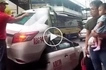 Walang pusong driver! Coldhearted taxi driver kicks old man and grandchild out of cab amid EDSA traffic