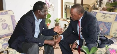 What Uhuru has promised IEBC officials if they rig him in - Raila