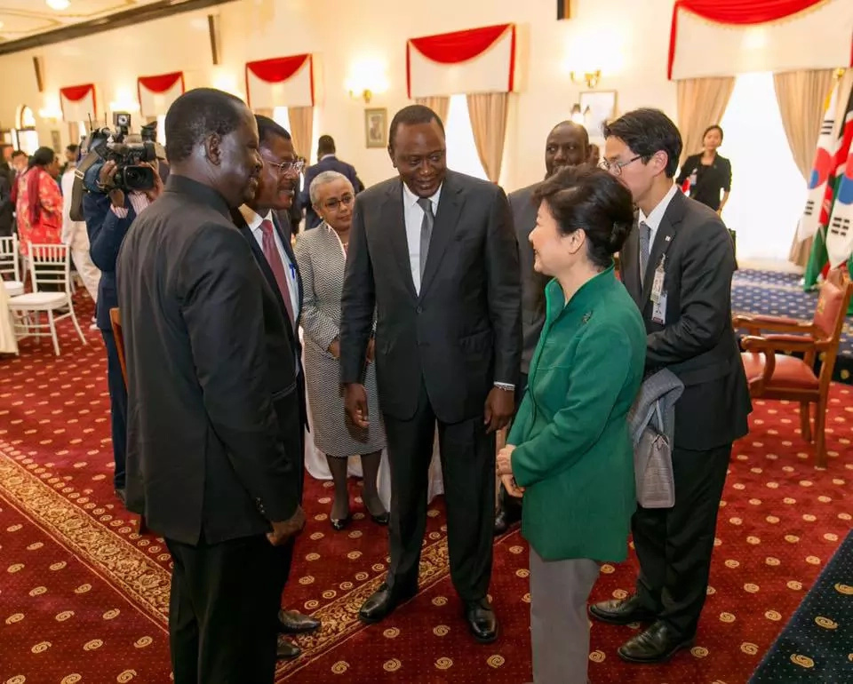 President Uhuru meets Raila at State House