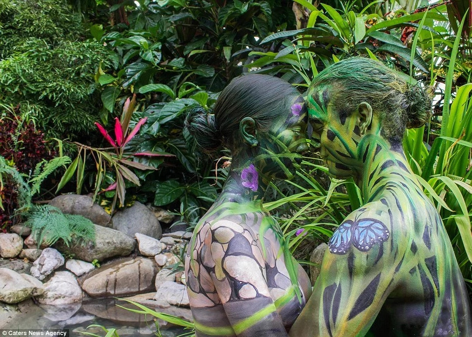 This artist brings charm to NAKED couples worldwide through STRIKING art of body painting (see cool photos)