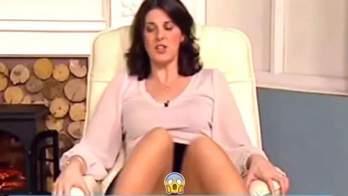 Presentadora enseñó más de la cuenta al abrir las piernas