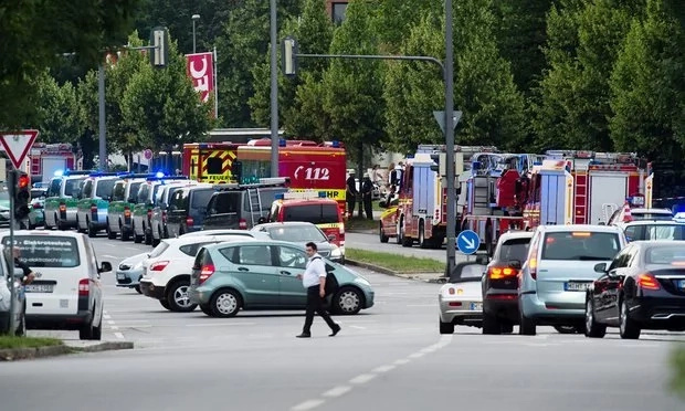 Several people dead in German mall attack