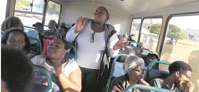 Church on wheels! People read scripture, preach and support each other in BUS (photos)