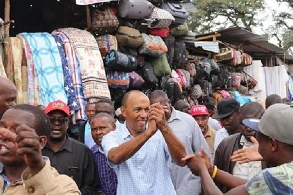 Nairobi residents embarrass Peter Kenneth (video)