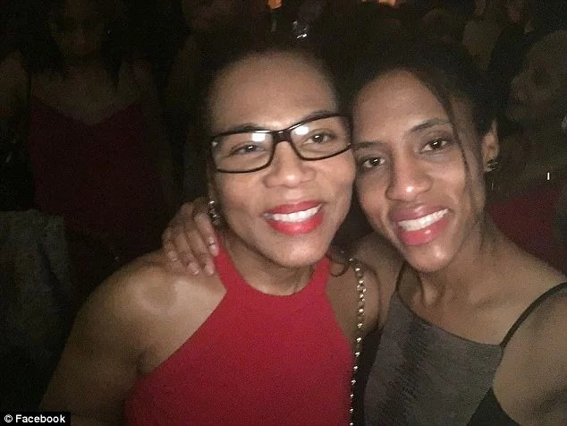 Oteh's mother Yvonne (left) and sister Fajolu. Photo: Facebook/Yewande Oteh