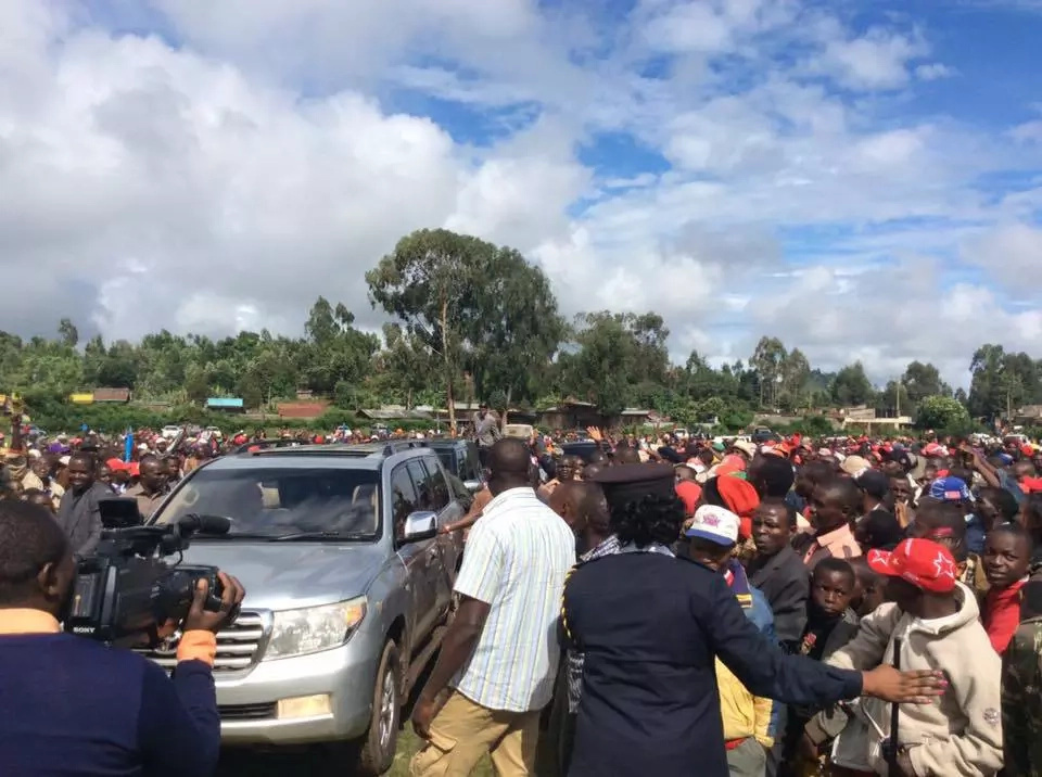Meru residents vow to teach Uhuru a lesson after he cancelled trip (video)