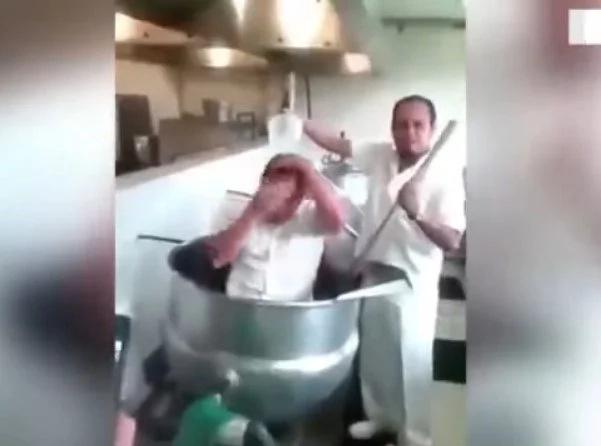 Lo que hacen estos empleados en la cocina de un hospital te sorprenderá mucho