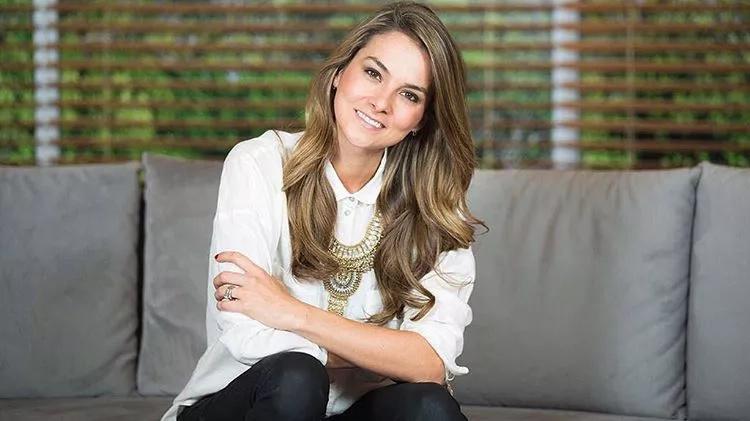 La presentadora Catalina Gómez presentó a su hijo en redes