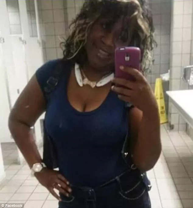 6-month pregnant woman who went to visit uncle in hospital kicked out for using hospital's bathroom (photos)