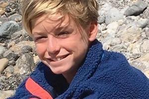 Después de la repentina muerte de un chico de 11 años, su mamá advierte sobre la alergia a las nueces