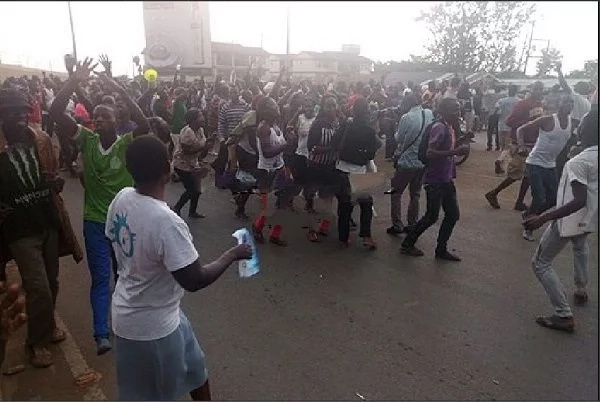 Kisumu residents pour to the street 'celebrating' a Raila presidency