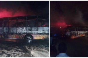 Fresh from the garage Ummoiner matatu set ablaze by angry Nduthi guys in Donholm (photos)