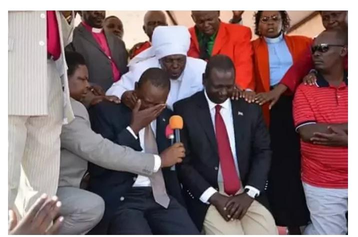Unakumbuka picha ya Uhuru na Ruto wakilia pamoja?