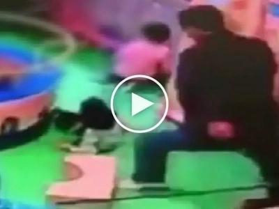 Kawawang bata! Evil Chinese man caught on CCTV brutally kicking innocent toddler in the spine