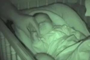 These parents film a very strange phenomenon in their baby's crib (photos, video)