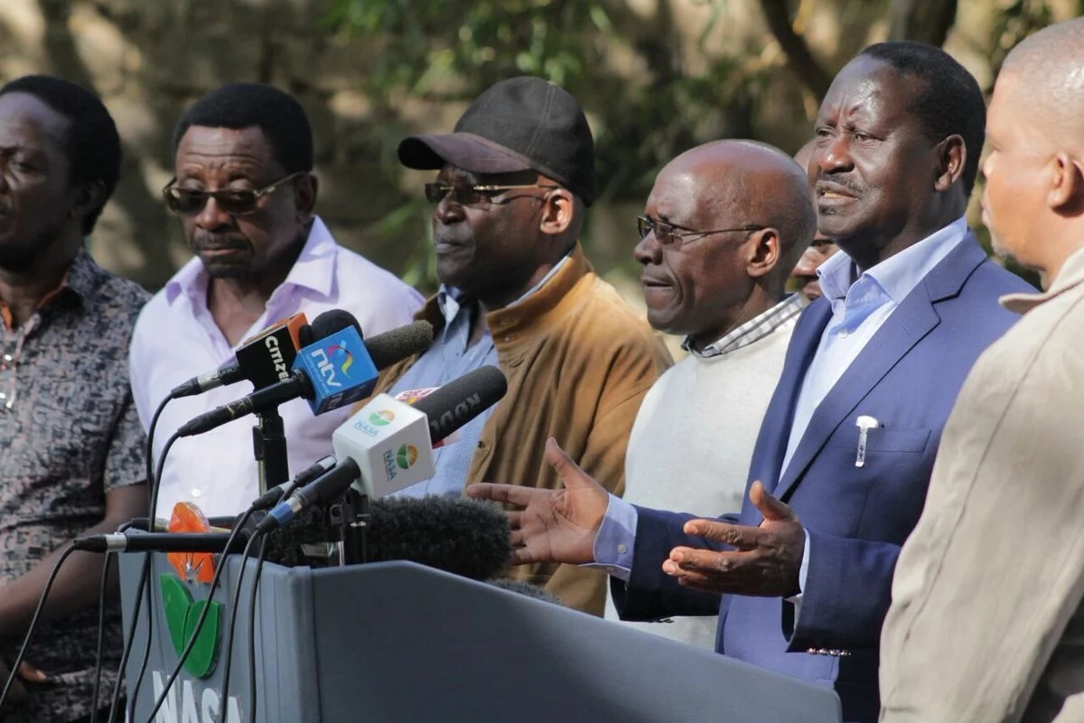 He who lives by the bullet dies by the bullet - Raila tells Uhuru as he mourns killed NASA supporters