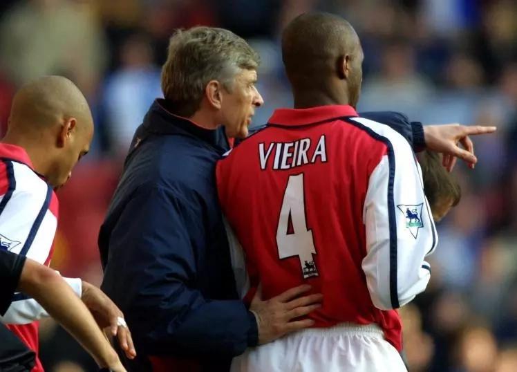 Nahodha wa zamani wa Arsenal amtetea Wenger akisema anastahili kuheshimiwa