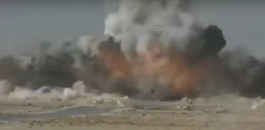 French Special Forces Blow-Up ISIS Truck Full Of Explosives