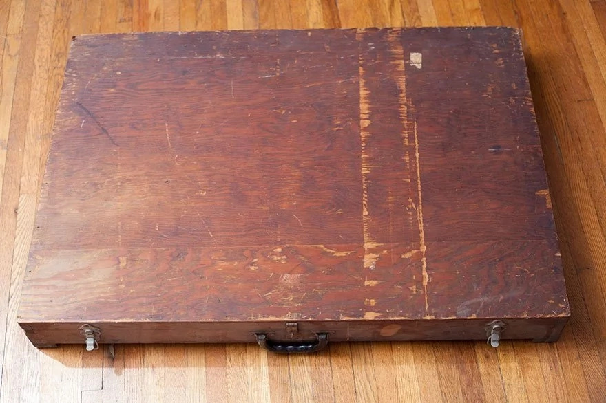 A man found a handmade wooden box in a dumpster that didn't look very unusual but when he opened it, he realized that it wasn't just an ordinary box!