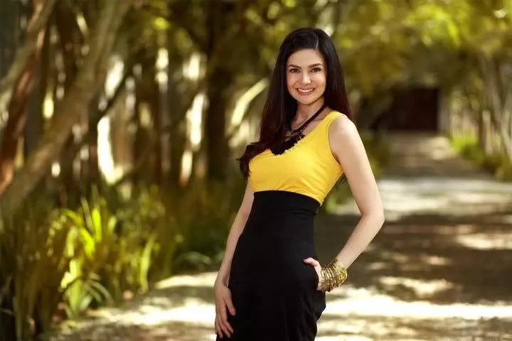 High Tide Or Low Tide? Charlene Gonzales Celebrates Her 43rd Birthday!