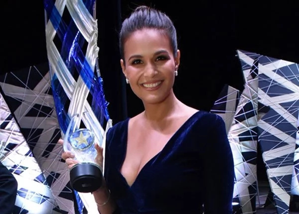 Iza Calzado offers Best Actress award to her late father