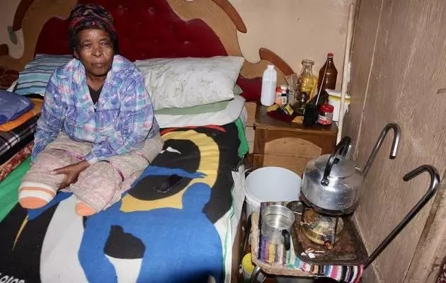 Trapped in shack! Woman, 72, with NO LEGS lives with no water' electricity and toilet (photo)