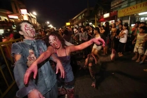 7 outrageous reasons why you won't survive a zombie apocalypse in the PH