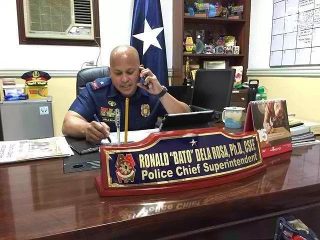 De la Rosa challenges drug lords to a 'quick draw'