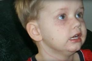 Madre filmaba a sus dos hijos cuando de repente vieron la peor pesadilla de cualquier padre