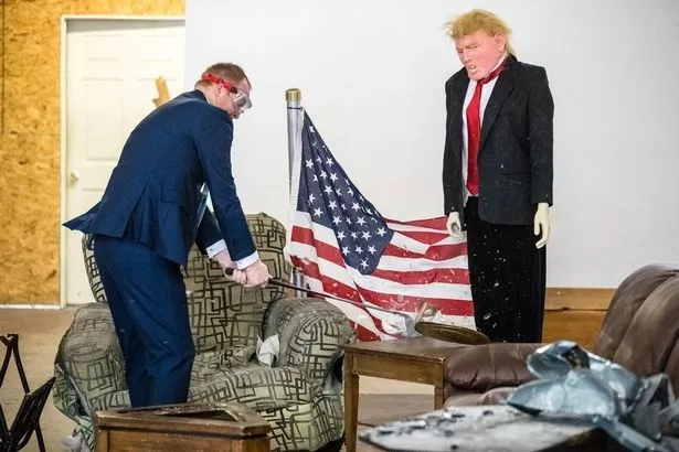 Release your rage! Welcome to anger room where you can trash Donald Trump's office (photos, video)
