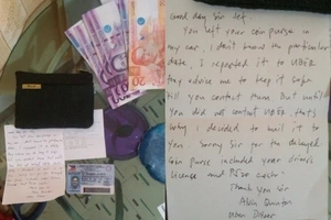 Honest Uber driver shows kindheartedness by sending passenger's wallet