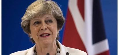 British Prime Minister pledges support for post-Mugabe Zimbabwe