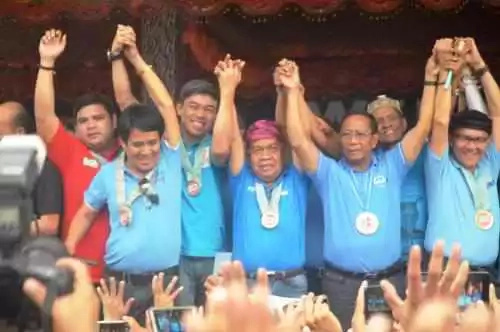 Binay promises to build Malacañang in CDO