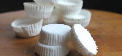 Mamá comparte receta de pastilla de menta para la ducha para aliviar el resfriado y la gripe de su hijo (RECETA)
