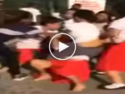 Kawawang dalagita! Vicious high school girls violently beat up helpless female student in Olongapo City
