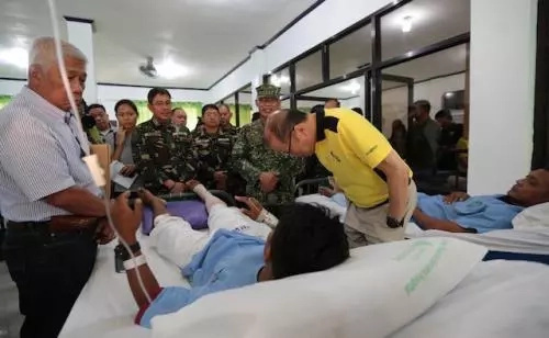P-Noy apologizes to soldiers' families; ISIS claims responsibility over ambush