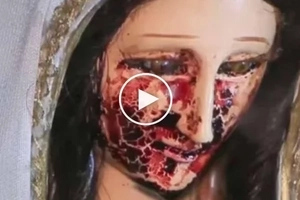 Netizens were stunned as the statue of Virgin Mary started 'crying blood'