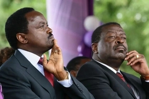 Musalia Mudavadi exposed after conning 200 people in a day