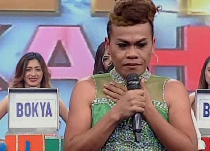 De La Salle Lady Spikers join comedian Super Tekla in English battle