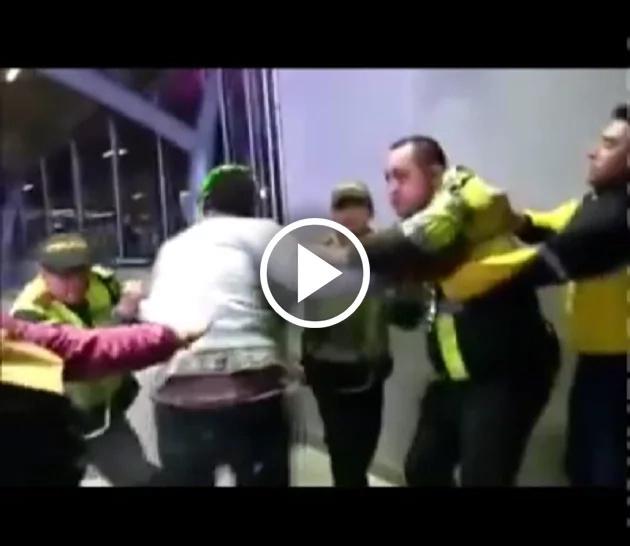 Policía agredió a dos periodistas en Bogotá
