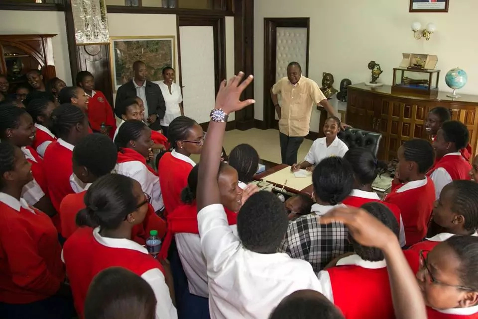 First Family hosts Loreto girls, visits disabled ones on Easter