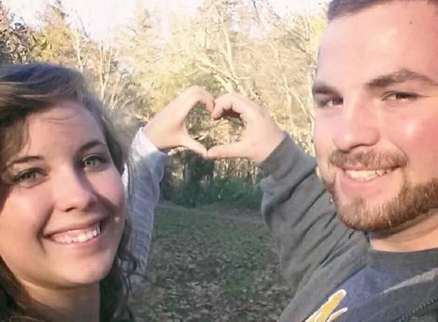 Hombre prometió a su esposa otra boda luego de que ella sufrió périda de la memoria en un accidente de autos